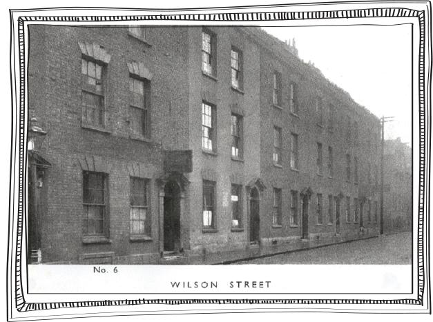 George Müller lat upp sítt fyrsta barnaheimið á Wilson Street 6 í Bristol.